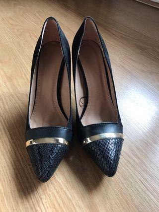 Zapatos modelo stilettos