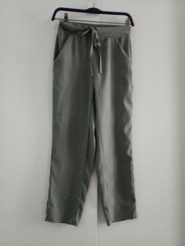 Pantalones chiffon verde