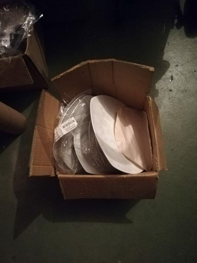 surtido platos llanos de porcelana nuevos