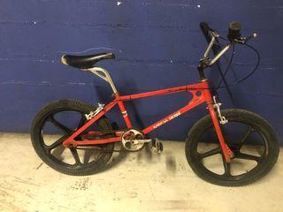 Bicicleta Bmx derby rabasa. Clásica