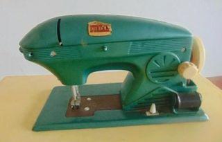 2 maquinas de coser Eureka