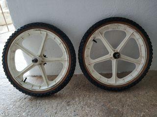 ruedas de palo bici clásica BH 16