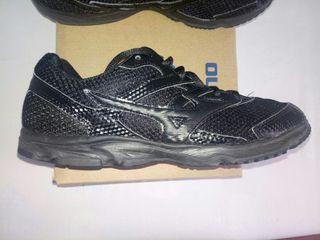 Mizuno negras 38 running