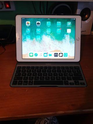 iPad 2017 + teclado belkin casi sin uso