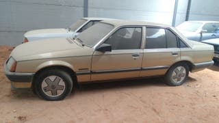 Opel Rekord 1983