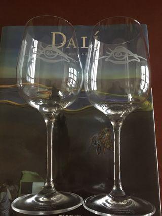 Dos copas Vino Dibujo Dali