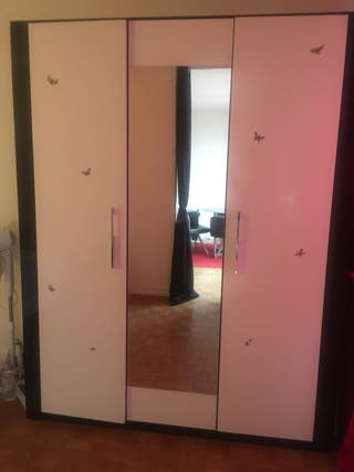 Armoire 3 portes avec miroir central