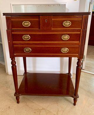 Mueble estilo clasico