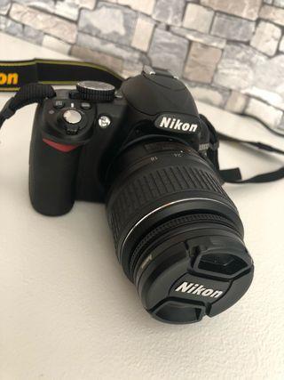 Cámara reflex Nikon D3100 + objetivo 18-55