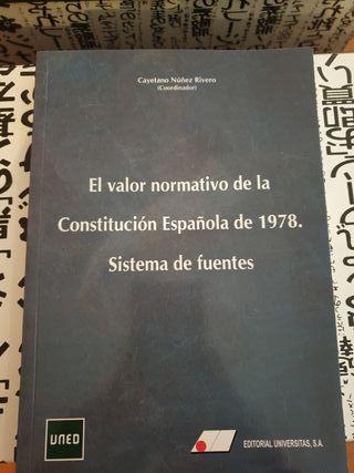 Libro de derecho constitucional I de la UNED