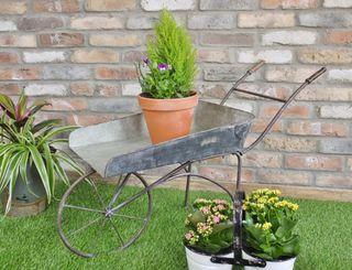 Carretilla de jardín de hierro