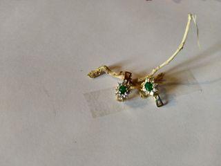 Pendientes oro 18 k esmeralda y brillantes.