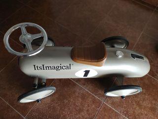 coche juguete o decoración habitación niños