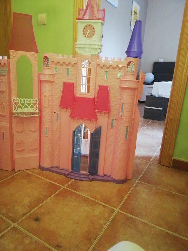 castillos barbies