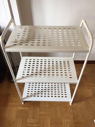 Mueble de ikea- estantarías blancas