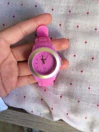 Reloj rosa deportivo