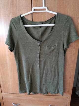 Camiseta kaki de Massimo Dutti, talla M