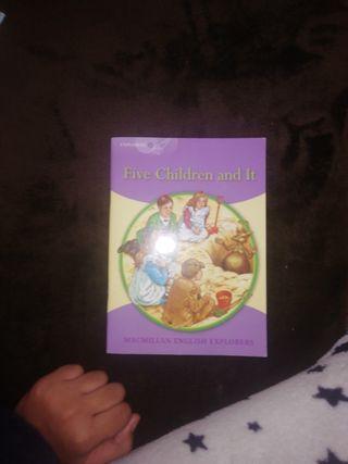 Libro en inglés marca macmillan