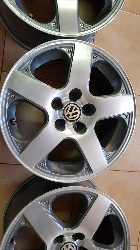 """Llantas VW 15"""""""