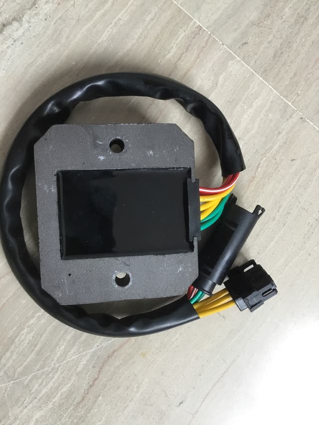 Regulador corriente bmw f 800 gs
