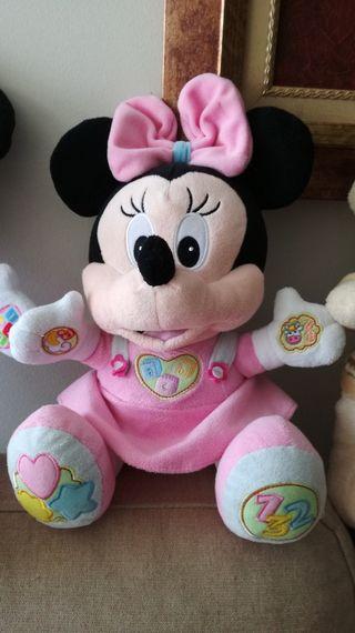 Minnie de peluche