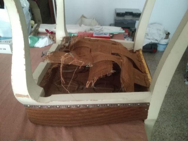 Silla antigua madera labrada por restaurar.Rebajas