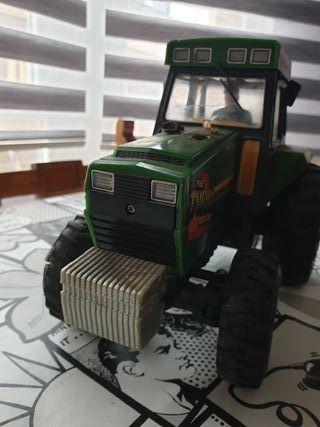 Tractor Dirigido por cable 1985