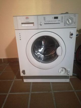 Lavadora 5 kg AEG