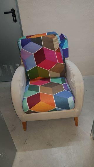 Sillon precioso diseño con tapicería La Tapicer