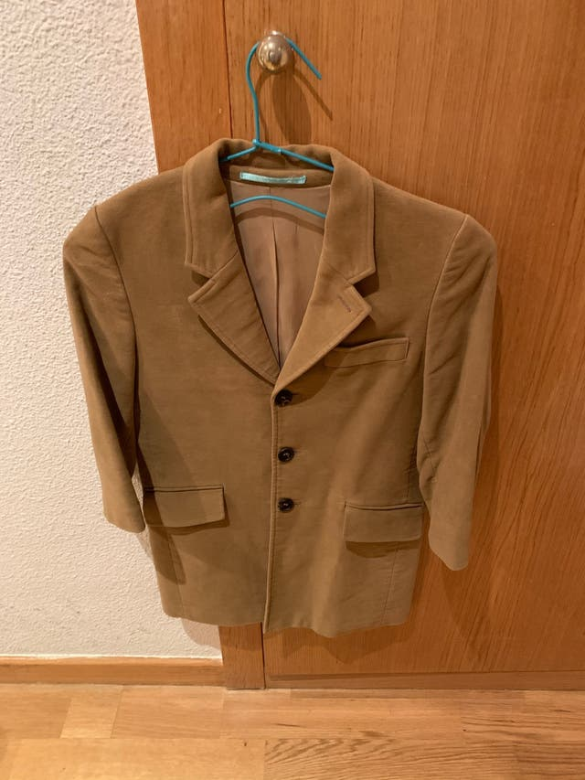 Abrigo nuevo Hackett niño marrón clarito.