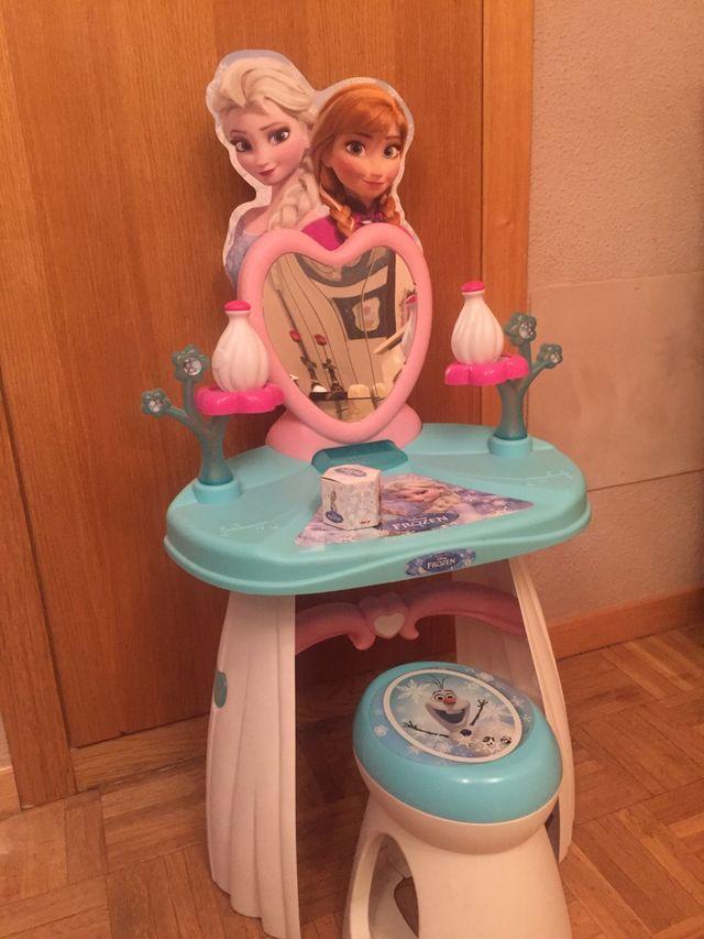 Tocador de Frozen con taburete y accesorios