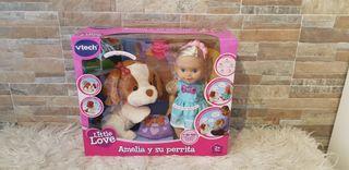 muñeca y peluche interactivo