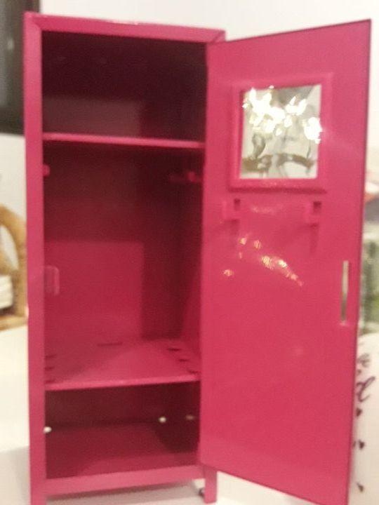 taquilla para muñeca Barbie
