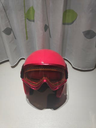 casco de esquí con gafas okle
