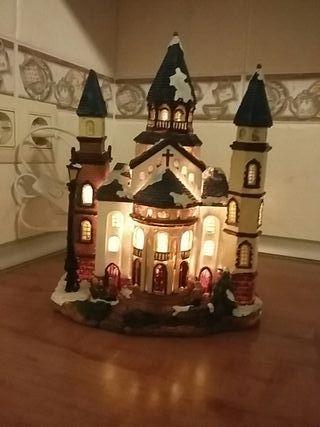 casita de adorno con luz de resina