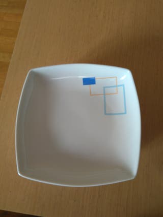6 platos hondos y cuadrados