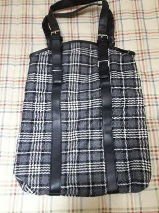 bolso de cuadritos blanco y negro