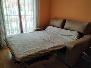 Sofá cama seminuevo modelo italiano