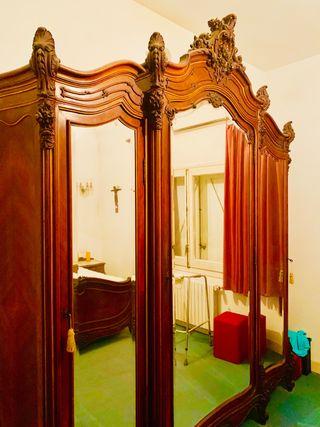 Armario antiguo (1900) de 3 puertas
