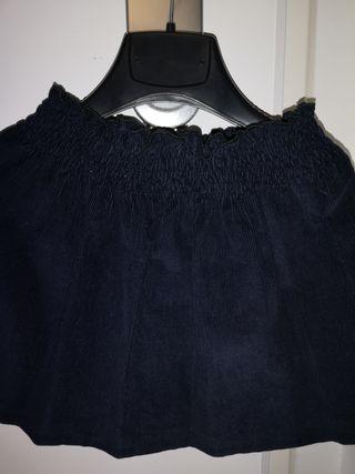 Falda de pana con goma en la cintura. talla 6 años