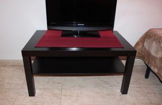 Mesa baja de televisión pequeña