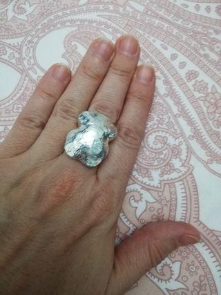 Conjunto de pendientes y anillo Tous