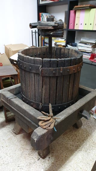 Prensa de madera para vino.