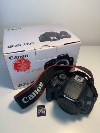 Cámara reflex Canon EOS 700D