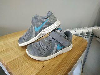 zapatillas nike niños 23