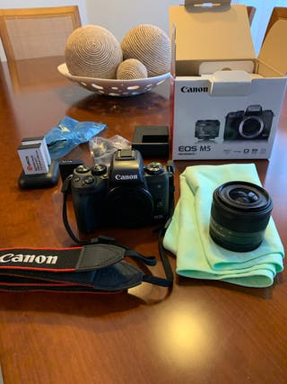 Canon EOS M5 + objetivo 15 - 45. 3.5/6.3 STM