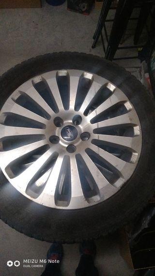 4 llantas Ford monde con neumáticos de invierno