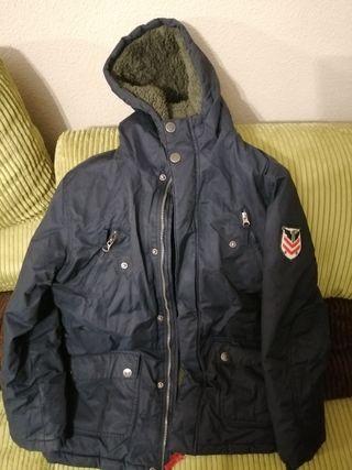 Abrigo de niño con capucha brotes