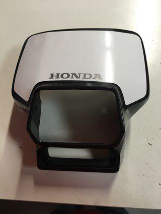 Se vende careta de faro de Honda CRM 75