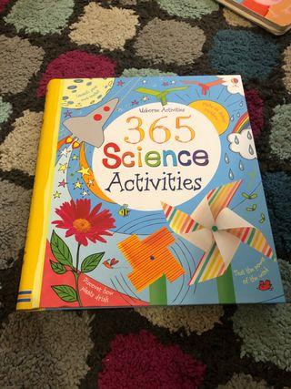 365 Science Activities (actividades en inglés)